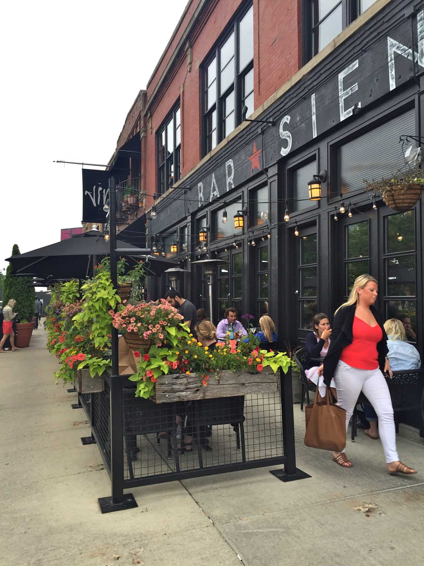 lincoln chicago hotel boutique hotels field park illinois exterior wrigley pr near
